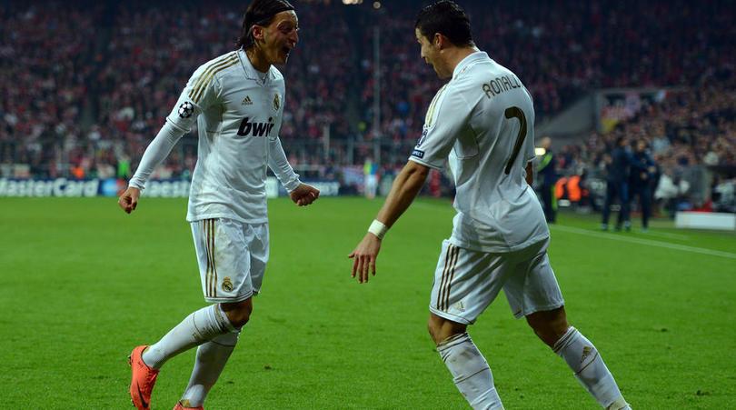Mesut Ozil dan Cristiano Ronaldo